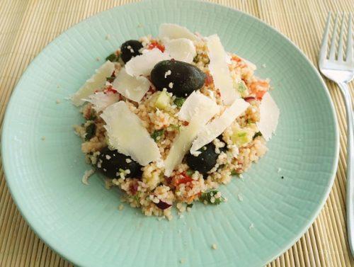 Salata de vara cu cuscus si parmezan